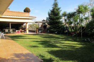 Ref. 31223 - Single family house of 500m 2 in a flat plot